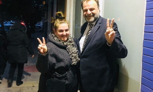 Η δημοφιλής ηθοποιός Σοφία Βογιατζάκη υποψήφια σύμβουλος με τον Λάζαρο Λασκαρίδη στην Καλλιθέα